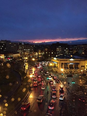 The Dupont Circle: View of Dupont Circle at night