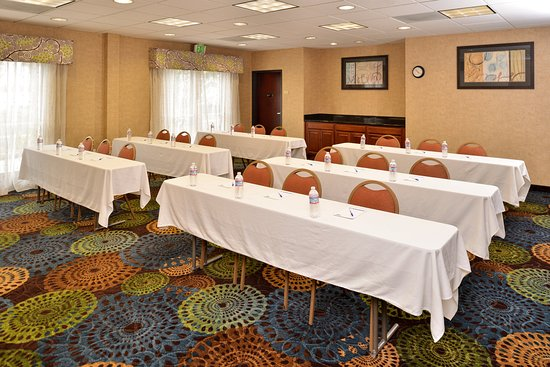 Holiday Inn Express Hotel & Suites San Diego Otay Mesa: Meeting Room