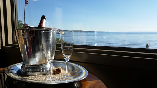Solglimt Bed & Breakfast: View of Lake Superior.
