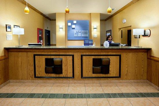 Alice, تكساس: Holiday Inn Express Alice Front Desk