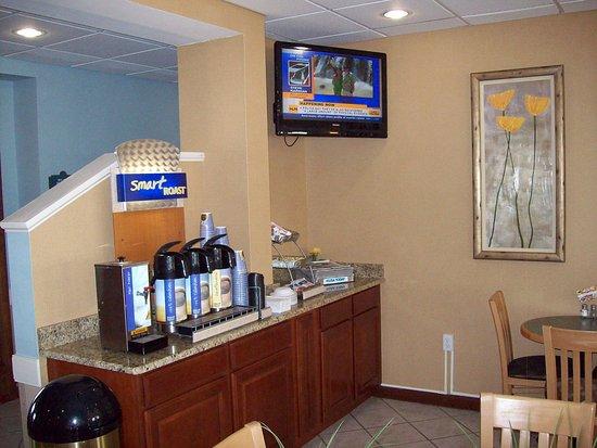 Grasonville, MD: Breakfast Area