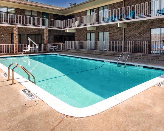 Magnolia, AR: Pool