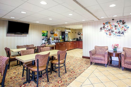 Quality Inn & Suites Atlantic City Marina District: Breakfast