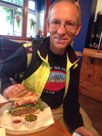 Vernonia, Oregón: Our anniversary bike ride!