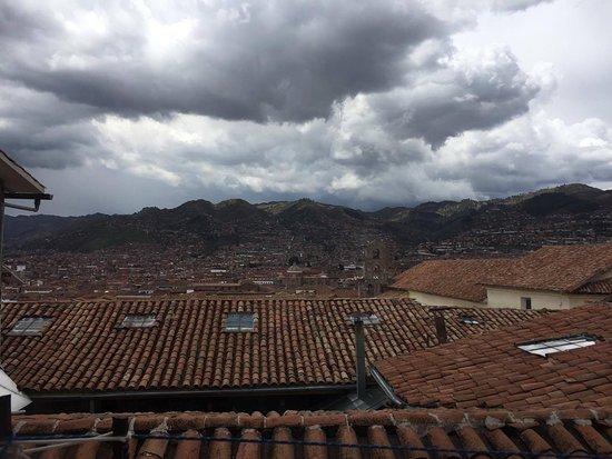 Hostal Arrieros: vista de San Blas desde la ventana del comedor, nuestra habitación también daba a la plaza.