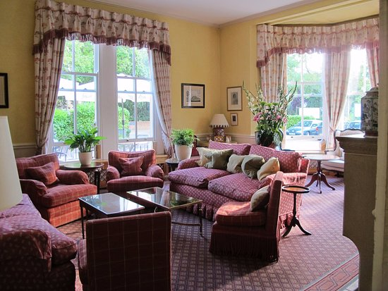 Cotswold Lodge Hotel: lounge