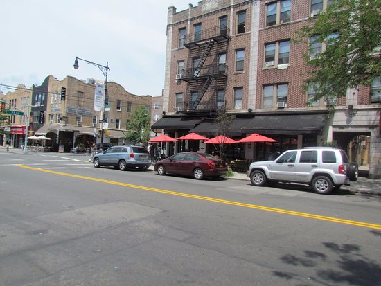 Grand Cafe: street view