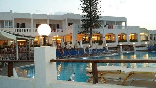 馬里迪莫海灘飯店