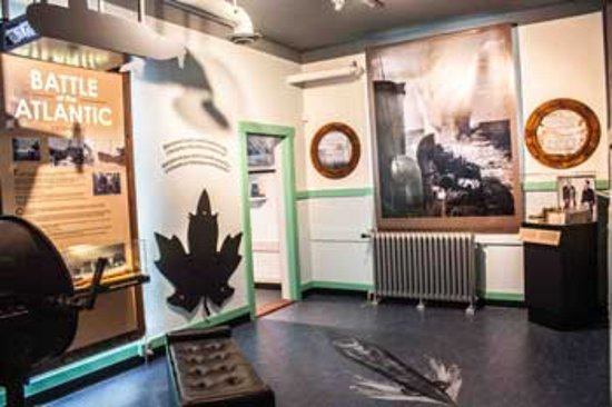 Esquimalt, Kanada: This is the museum's Battle of the Atlantic gallery, with authentic artifacts from a WWII ship