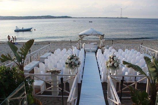 Matrimonio Spiaggia Calabria : Matrimonio con rito civile in spiaggia foto di villa