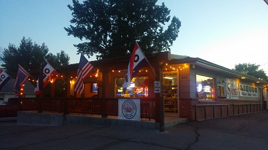 Lusk, WY: Bar across street