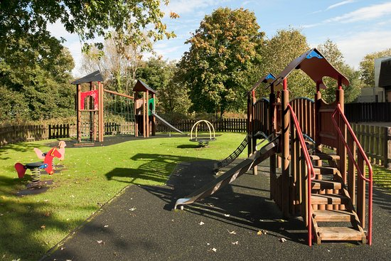 Holiday Inn Lancaster: Kids play area located in hotel gardens