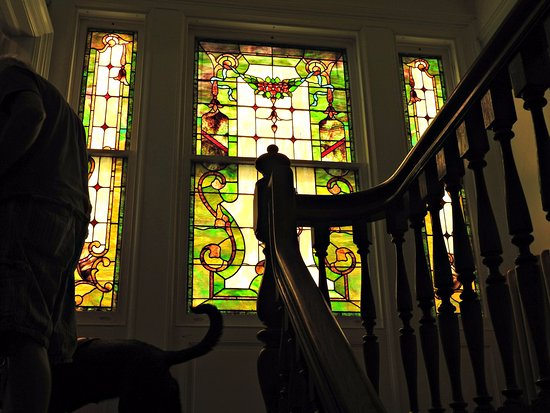 The Columns Museum: Beautiful stained glass windows