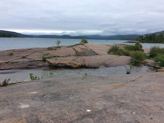 Marathon, Kanada: Where water and rocks meet. No real trail here