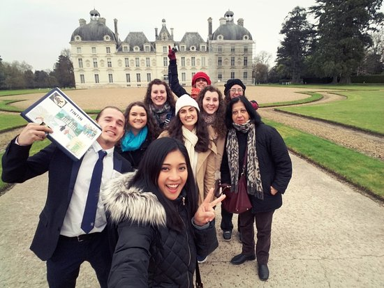 France Tourisme - Daily tour : Our group in front of the chateau that inspired Tin Tin