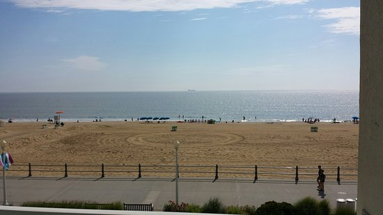 Rehoboth Beach Boardwalk: Having fun in the sun