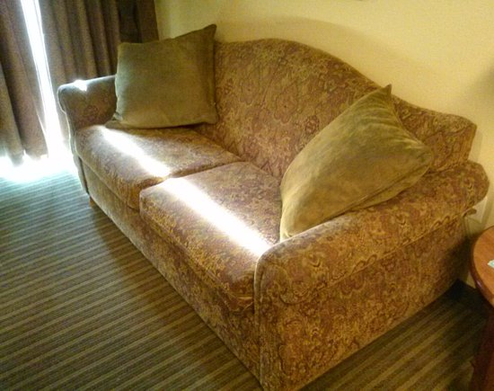 حياة هاوس بليزنت هيل: First stay in January 2013 (before the hotel's renovation).
