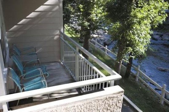 Rocky Waters Motor Inn: Balcony