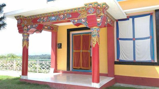 Tashi Jong Buddhist Monastery : P_20160901_113615_large.jpg