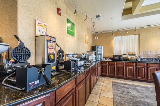 Comfort Inn & Suites Cedar City : Breakfast area