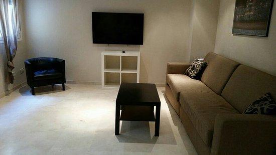 Sol Square Apartments : IMG-20160828-WA0025_large.jpg