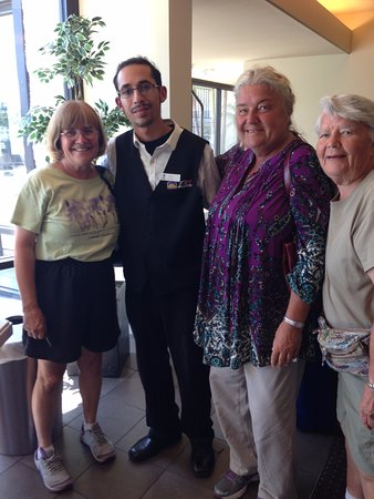 BEST WESTERN Yacht Harbor Hotel: Saying goodbye to Chris (wonderful front desk staffer)!!