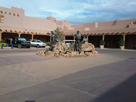 Santa Ana Pueblo, Nuevo Mexico: The front entrance to the hotel.