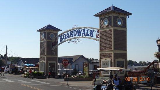 The Boardwalk: Boardwalk Restaurant and Bar