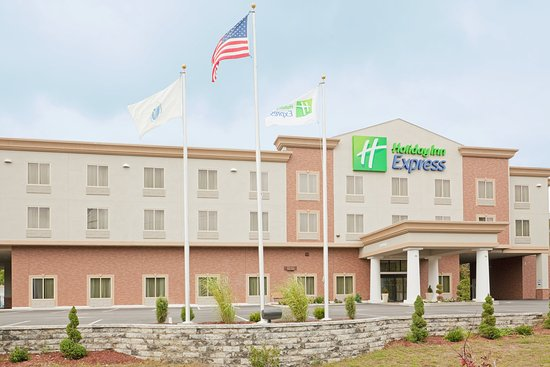 Holiday Inn Express in Plainville: The newest hotel in the area