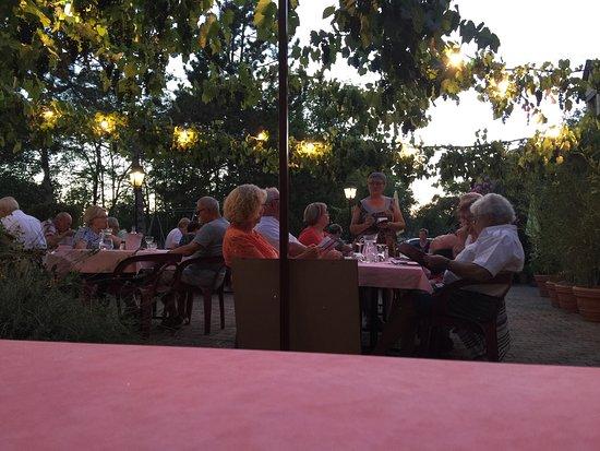 Photos nadaillac de rouge images de nadaillac de rouge for Dinner on the terrace