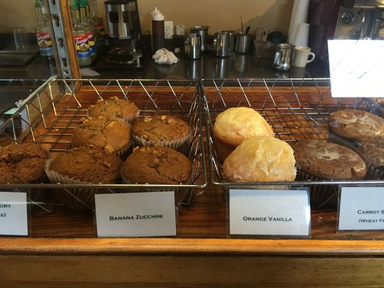 Susanne's Bakery & Deli: Muffin display...