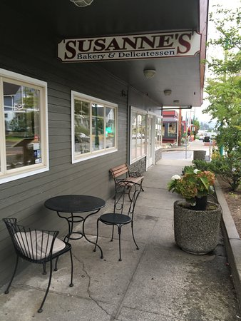 Susanne's Bakery & Deli: Sign to look for...