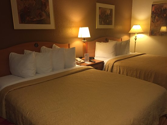 Quality Inn Oakland: Beds