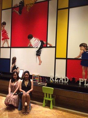 The Ritz-Carlton, Millenia Singapore: Kids at heart...