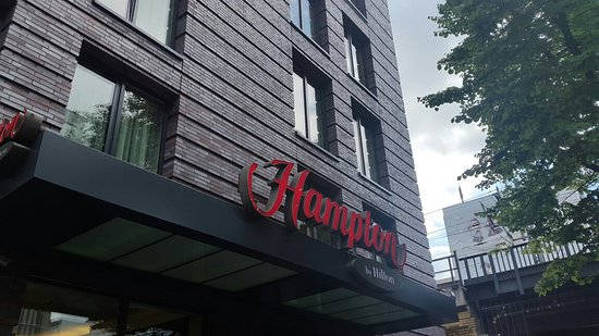 Hampton by Hilton Berlin City West: 20160830_120134_large.jpg