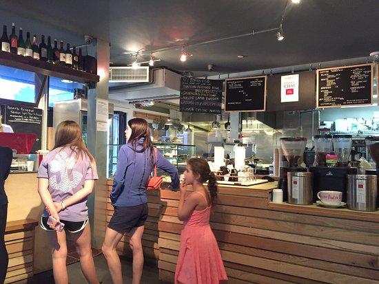 Victoria's Espresso Wine Bar : Line