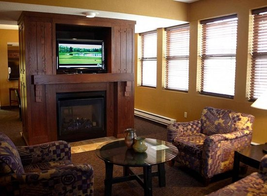 Pewaukee, WI: Our Luxuriously appointed Prairie suite - Over 1600 sq ft of space