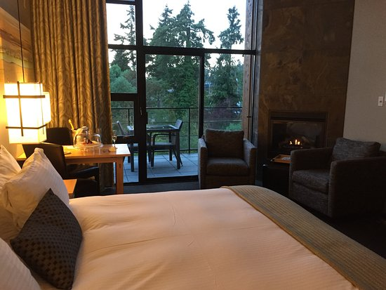 Brentwood Bay Resort & Spa Image