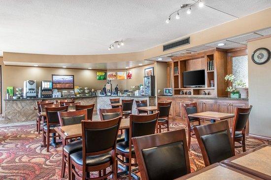 Quality Inn South: Breakfast