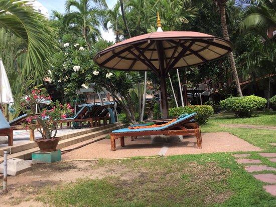 Basaya Beach Hotel & Resort: photo1.jpg