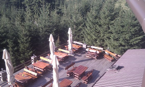 Paltinis, Rumänien: This photo shows you where you can have lunch outside, on a terrace .