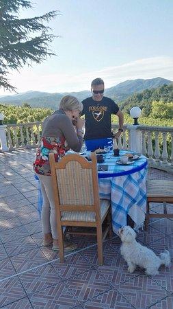 Cremolino, Itália: colazione in terrazza