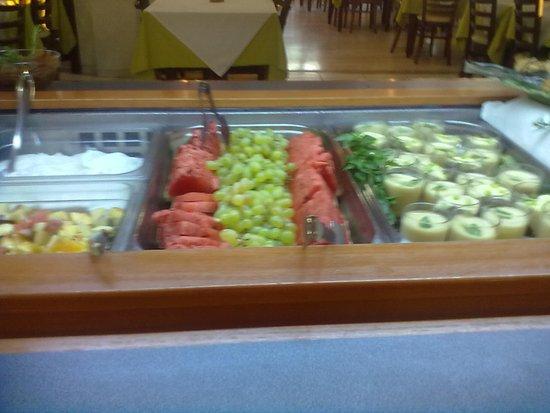 Alianthos Beach Hotel: Abendessen