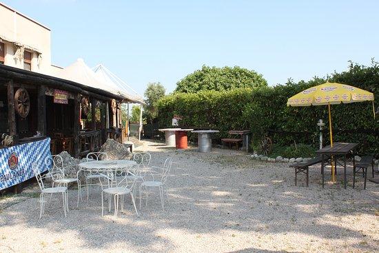 Budoia, Италия: Area esterna locale