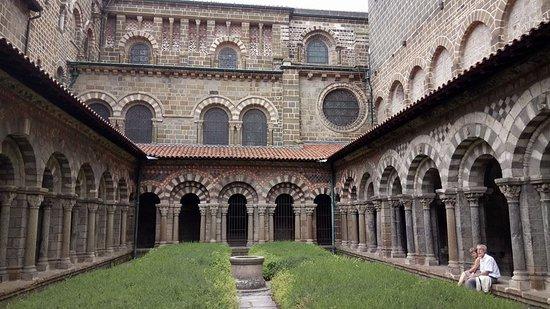 Kreuzgang der Kathedrale von Le Puy