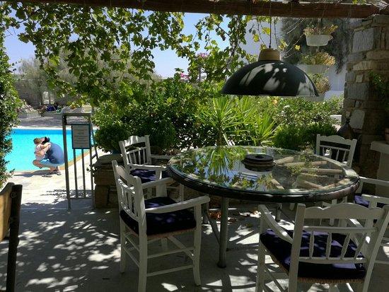 Petres: Le paradis sur Paros!