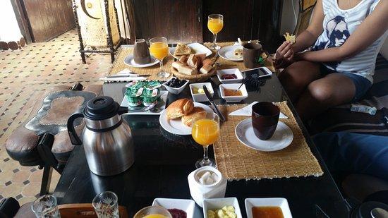 Riad Bab Essaouira: petit déjeuner très copieux