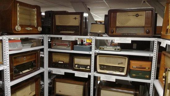 Rottenburg an der Laaber, Jerman: A closer view of other about ten radios.