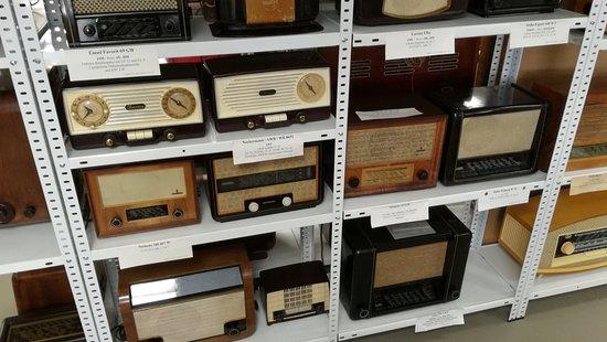 Rottenburg an der Laaber, Jerman: Ather antique radios.