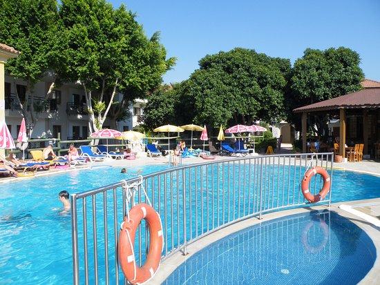 Sahin, Apartments: zwembad